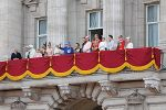 """The British royal family on the balcony of Buckingham Palace"" by Carfax2 - Licensed under CC BY-SA 3.0 via Wikimedia Commons"